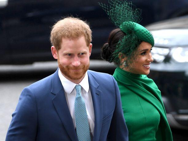 Prinssi Harry ja herttuatar Meghan hyvästelivät viralliset edustustehtävänsä brittihovissa maanantaina.