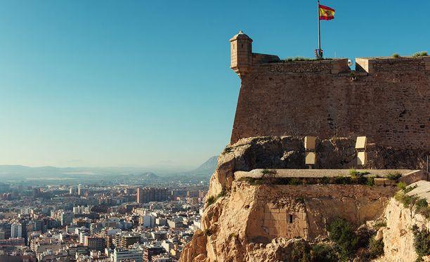 Alicantesta löytyy nähtävää myös historiasta kiinnostuneille.