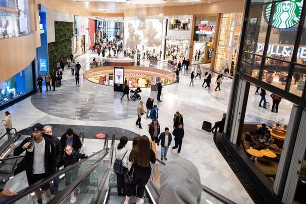 Uuden lain myötä on mahdollista, että ostoskeskukset joutuvat sulkemaan ovensa. Kuva tukholmalaisesta Mall of Scandinaviasta lokakuulta.