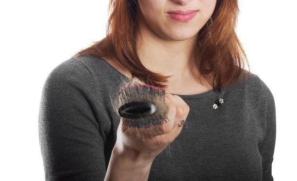 Naisten hiustenlähtö on edelleen tabu.