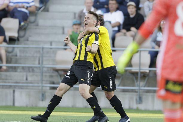 Juha Hakola pommitti HJK:n nurin 1-0.