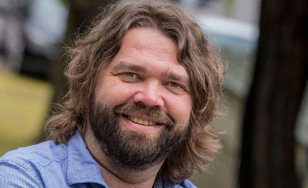 Mikko Kouki on intohimoinen TPS:n kannattaja, joka istuu myös turkulaisylpeyden hallituksessa.
