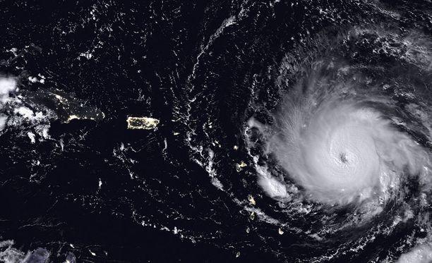 Karibian saaria riepotellut Irma on saavuttamassa seuraavaksi Puertoa Ricoa.