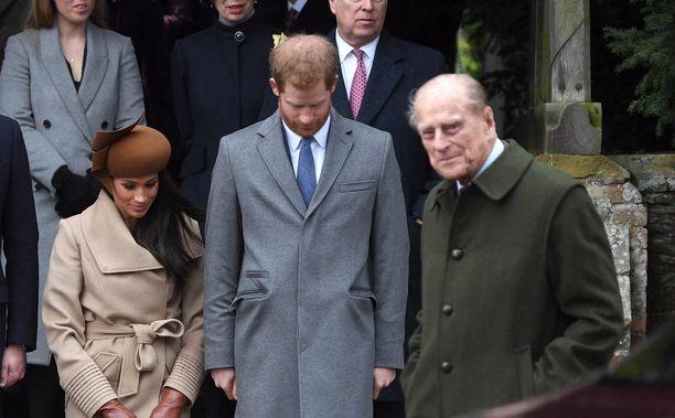 Prinssi Philip ei voi ymmärtää sitä, että hänen pojanpoikansa lähti Meghanin mukaan.