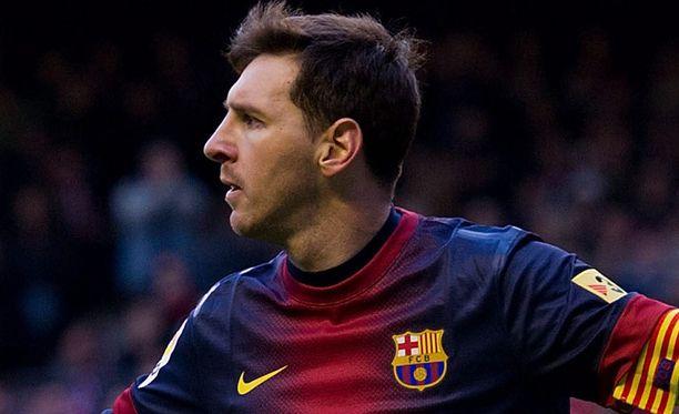 Leo Messi tuulettaa ensimmäistä maaliaan Barça-kapteenina.