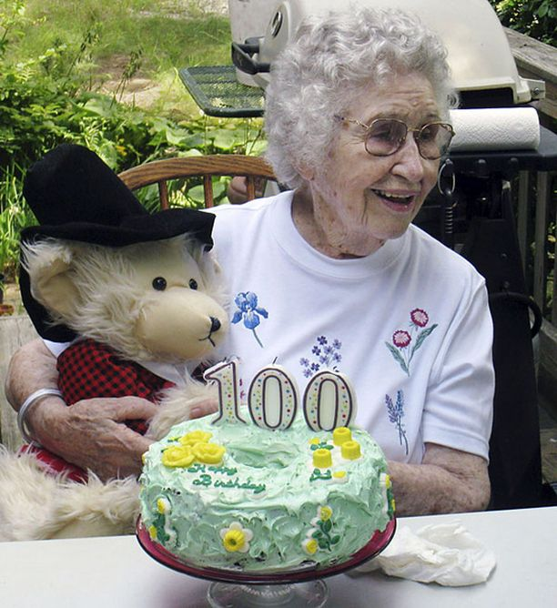 Surman uhri Elizabeth Barrow vietti 100-vuotisjuhliaan elokuussa.