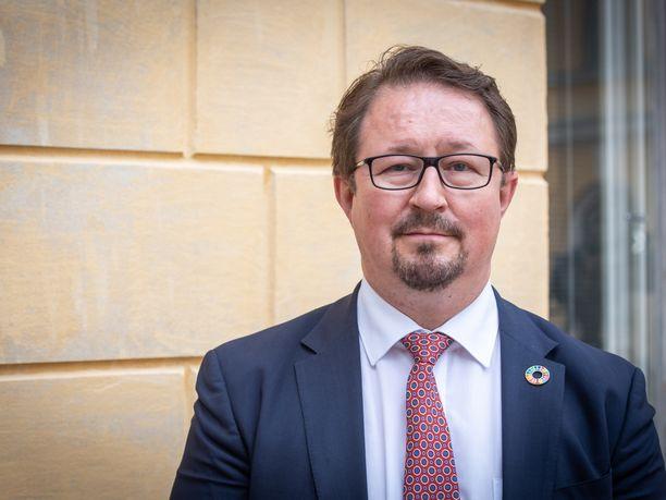 Mielenterveyttä ja jaksamista tulee vaalia koronajouluna, sanoi THL:n johtaja Mika Salminen Ylellä.