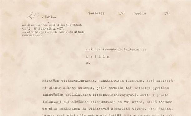 Sisäministeriön ja poliisin julkaisema kirje vuodelta 1957 on ehkä hieman vuoden 2017 viranomaiskieltä kaunopuheisempi.