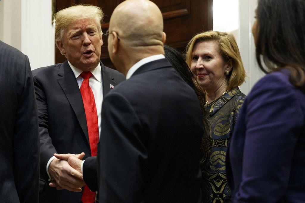 Donald teki mitä Melania pyysi: Valkoisen talon neuvonantaja sai potkut