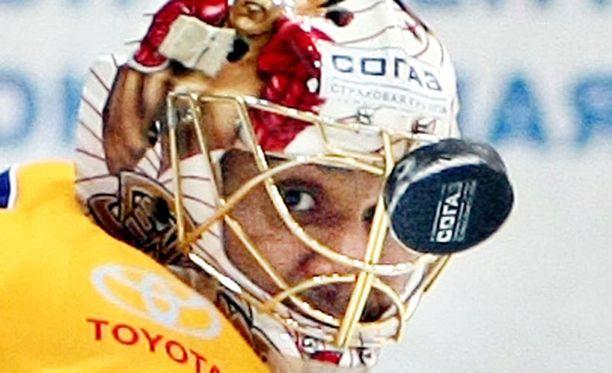 Ray Emeryn maski pääsi komeimpien joukkoon.