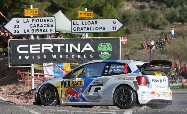 Jari-Matti Latvala yrittää Kataloniassa viimeiseen saakka.