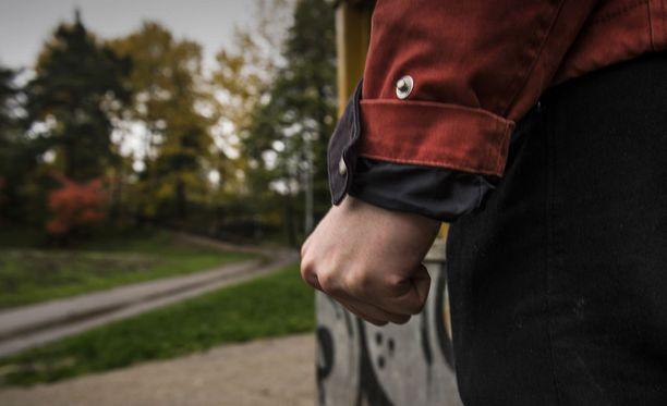 Suomalaismiehet eivät usein hae apua väkivaltakokemusten käsittelyyn. Kuvituskuva.