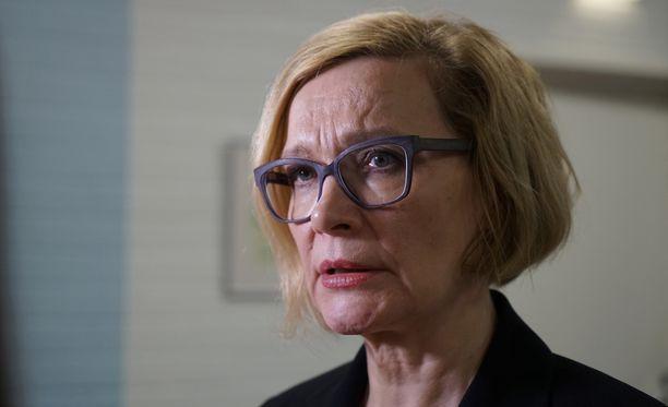 Narkolepsian uhreille tehdyt lupaukset henkilöityivät aikanaan erityisesti silloiseen peruspalveluministeriin Paula Risikkoon (kok).