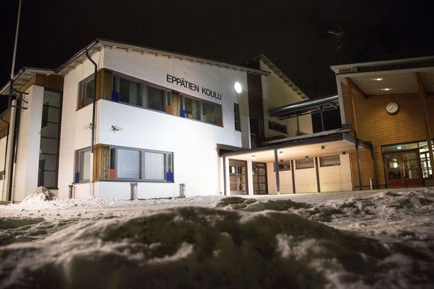 Pahoinpitely tapahtui Leppätien koulun pihalla.