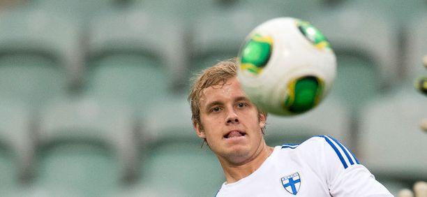 Teemu Pukki taisteli keskiviikkona Suomi-paidassa Sloveniaa vastaan.
