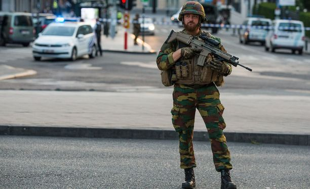 Poliisi surmasi epäillyn räjähdyksen jälkeen.