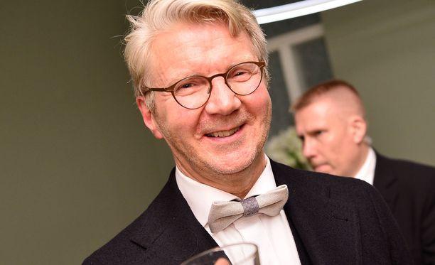 Pirkka-Pekka Petelius lähti jatkoilta kotiin viimeisten joukossa aamu neljän paikkeilla.
