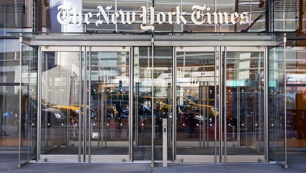 The New York Timesin omistaa Sulzbergerin suku. Kustantajana toimii A.G. Sulzberger.