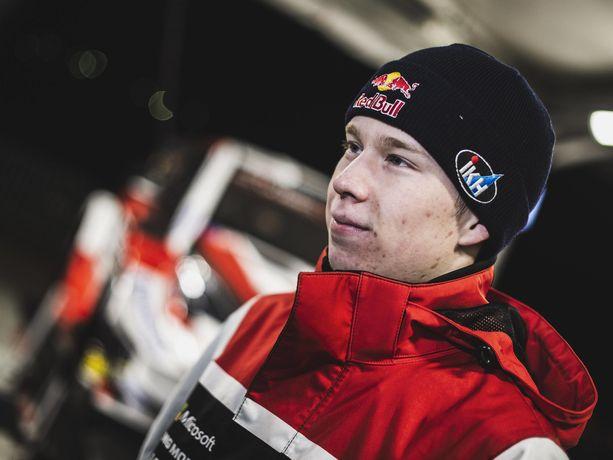 Kalle Rovanperä tykitti palkintopallille uransa toisessa MM-rallissa.