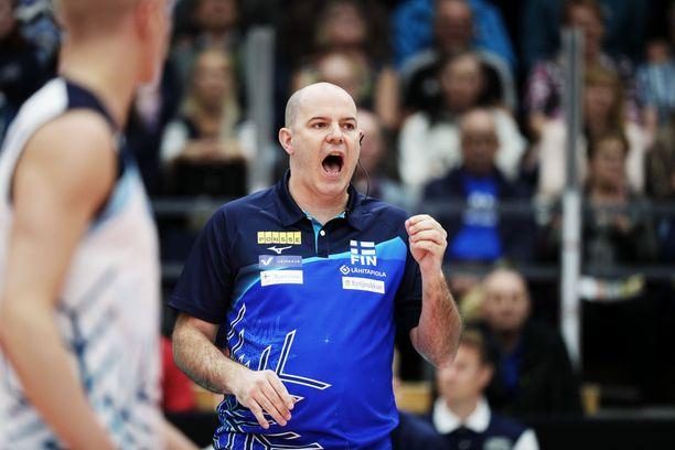Joel Banksin saldo Suomen luotsina on murheellinen: yksi voitto ja 19 tappiota.