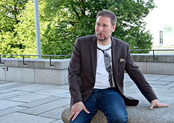 Paavo Arhinmäki on viihtynyt ministerinä.