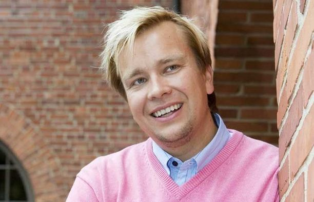 Antti Kaikkonen kiisti keskiviikkona Iltalehdelle ehdotelleensa sopimattomia.