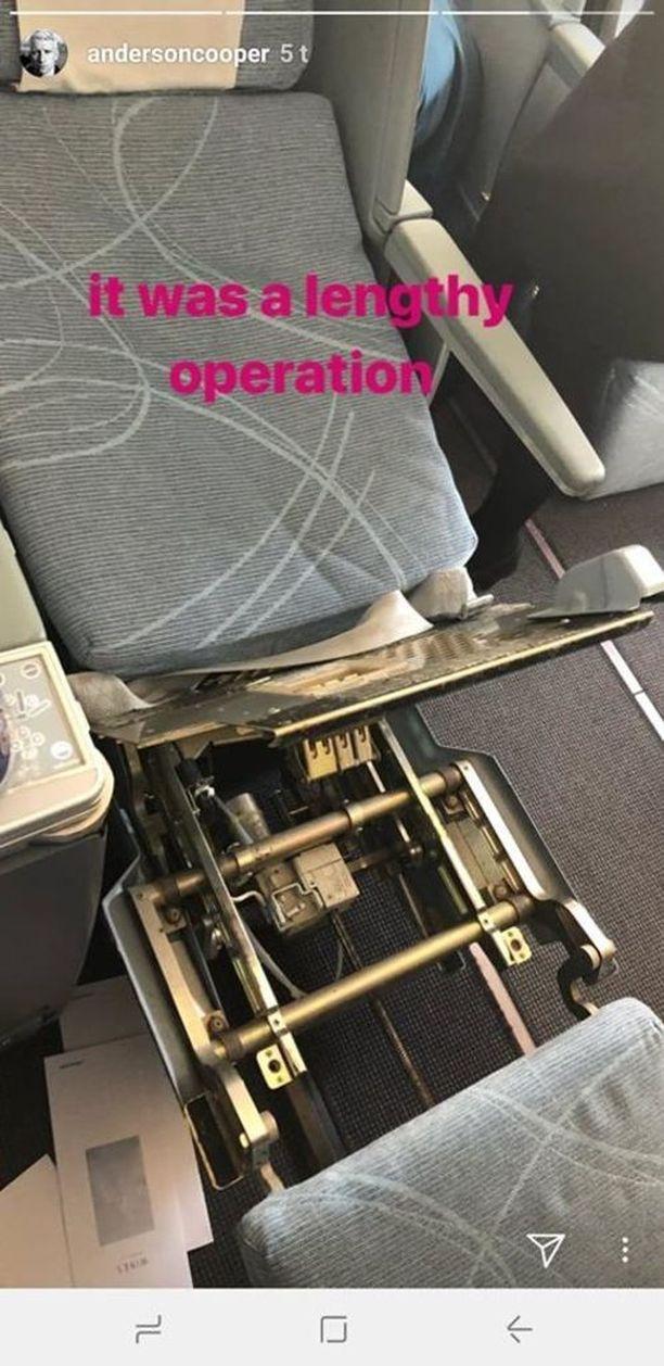 Amerikkalaistoimittaja hukkasi silmälasinsa lentokoneessa.