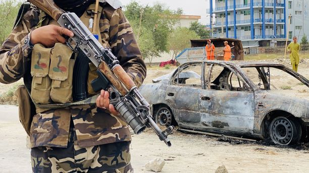 Talibanin taistelija Kabulissa.