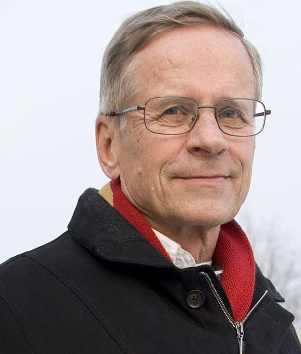 Risto Sänkiaho mukaan kokoomuksen voi syrjäyttää ykköspallilta vain populistipuolue.