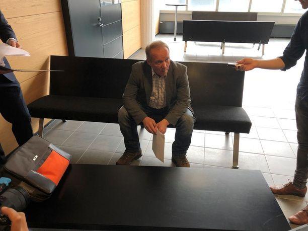 Ahdistelutapausta käsitellään maanantaina Helsingin käräjäoikeudessa.