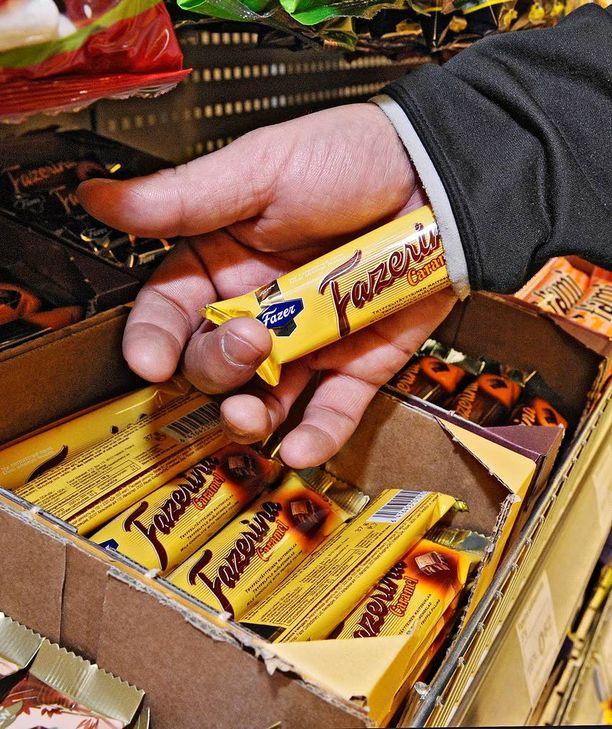Suklaapatukan näpistäminen on tyypillinen myymälävarkaus.