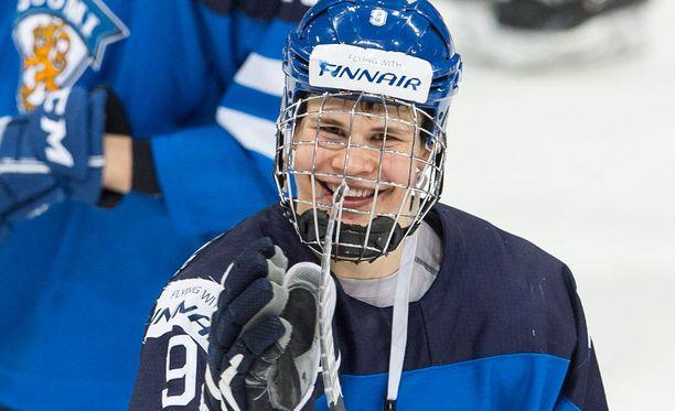 Jesse Puljujärvi johtaa nuorten MM-kisojen pistepörssiä.