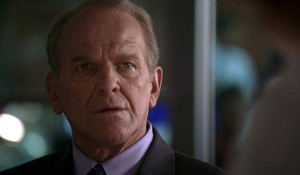 Edesmennyt John Spencer nähtiin Leo McGarryna.