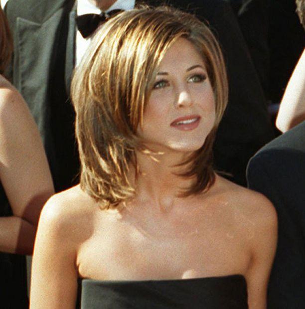 Ainoa nuori nainen, joka ei syttynyt tälle tyylille 90-luvulla, taisi olla Jennifer Aniston itse.