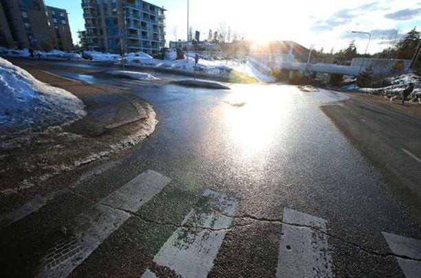 25-vuotias Eero kuoli Vantaan Korsossa tapahtuneen yliajon seurauksena.