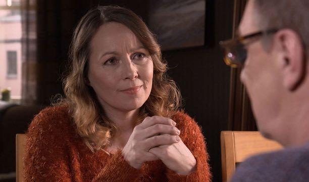 Liisaa näyttelee Susanna Mikkonen ja Ismoa Esko Kovero.
