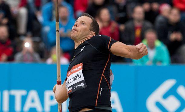 Tero Pitkämäki heitti Ostravan illassa kelvollisen tuloksen.