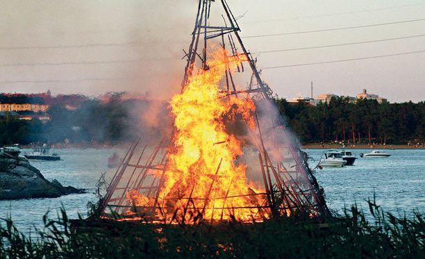 Juhannuskokot palavat taas ympäri Suomen.