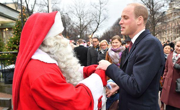 Joulupukki ja William tapasivat lokakuussa Helsingissä.