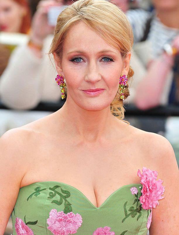 J.K. Rowling kertoo saaneensa itseluottamusta Harry Potterin suosiosta.