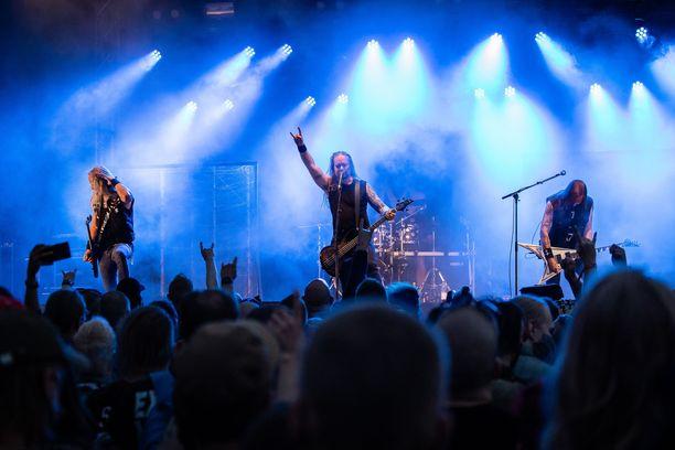 Insomnium esiintyi elokuussa Saarihelvetin pääesiintyjänä perjantaina.