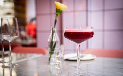 Vau mikä väri! Cocktail maailman toiseksi romanttisimman ravintolan tyyliin - on muuten Suomessa
