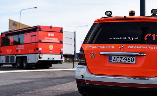 Helsingin Eteläsatamassa torstaina järjestettävään suuronnettomuusharjoitukseen osallistuu lukuisia viranomaisia ja muun muassa Silja Serenaden henkilökuntaa.