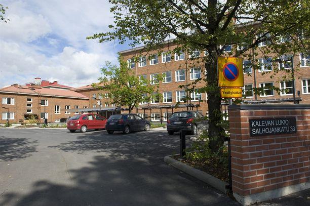 Kalevan koulun pihalla sattunut välikohtaus aiheutti uhrille ahdistusta ja pelkotiloja.