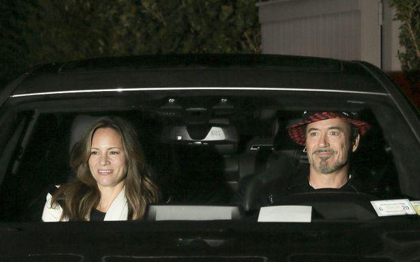 Robert Downey Jr. viihtyi myös häissä.    All Over Press