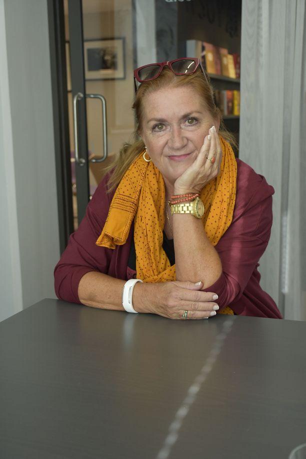 Anja Snellman on totuttu tuntemaan kantaaottavana naisena.