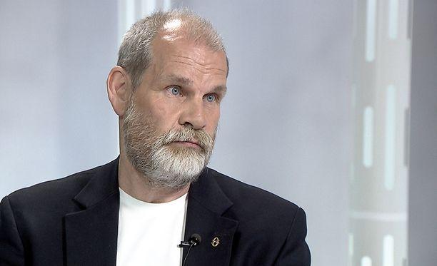 Jukka Jusula antoi tylyn arvion Timo Soinin kohtelusta puoluekokouksessa.