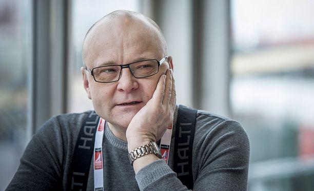 Tapio Suominen palasi sairauslomalta takaisin tv:n ääreen.