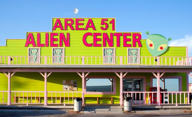 Area 51 on suosittu kohde turisteille, jotka ovat kiinnostuneita avaruusolioista ja ufoista.