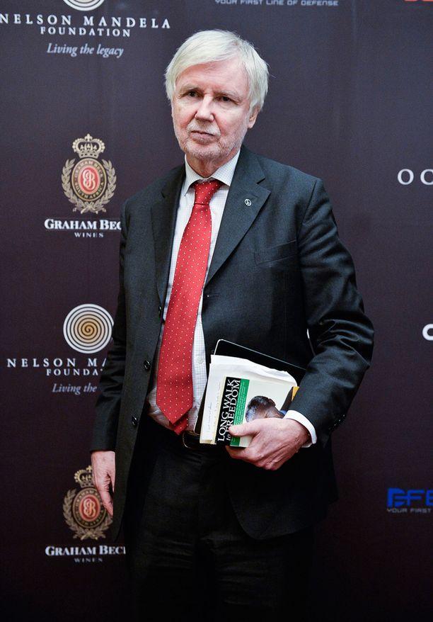 Ulkoministeri Erkki Tuomiojalla on vahva Mandela-tuntemus.